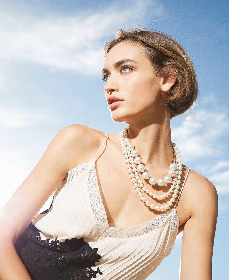 Halsnahe Kette mit Perlen Weiß Pergament Frau 202TO5049-0S