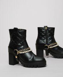 Байкерские ботинки с ремешками, цепочками и жемчугом Черный женщина 192MCP050-03