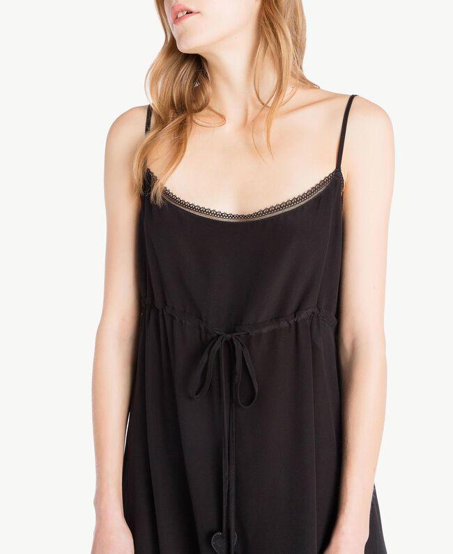 Kleid aus Seide Schwarz Frau TS82UA-04