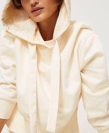 Hoodie Creamy White Woman 202MP2161-05