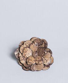 """Blumenbrosche aus Animalierleder Print """"Snake"""" Kamelbraun Frau AA8P7D-01"""