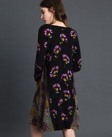 Robe en maille imprimée avec insertions Imprimé Camouflage Femme 192TT3341-03