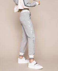Кожаные сникеры с шатонами Белый женщина 201TCP094-0S