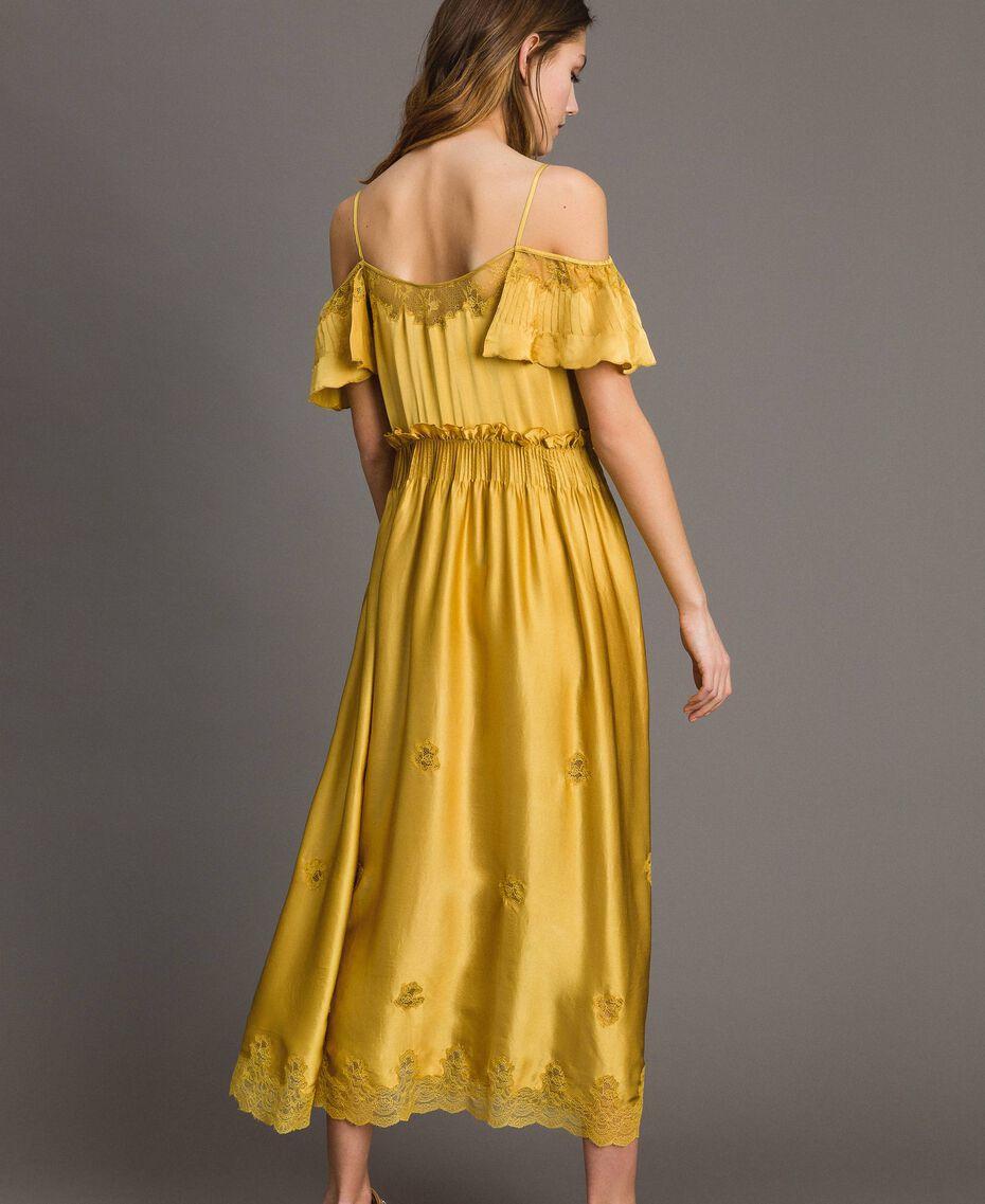 """Robe longue en satin de soie avec bordures en dentelle Or """"Miel Doré"""" Femme 191TT2011-03"""