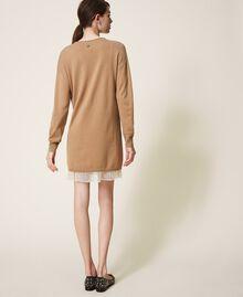 Vestido de lana mixta con plisados Bicolor Beige «Duna» / Blanco Nata Mujer 202MP3091-03