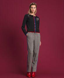 Cardigan rayé avec broches style militaire Bicolore Noir / Lys Femme 192MP3251-03