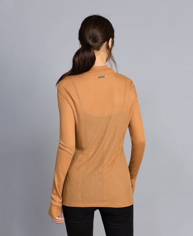 Pull à col montant en lyocell côtelé Marron «Amber Dust» Femme IA88AA-03