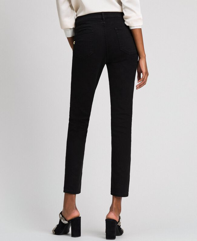 Skinnyhose im Five-Pocket-Stil Schwarz Frau 192MP2412-04