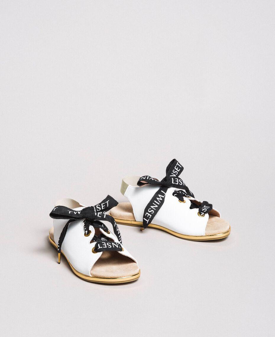 Sandalen mit Markenschnürung Weiß Kind 191GCJ012-02