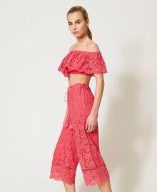 "Pantaloni cropped in pizzo macramè Rosa ""Cherry Pink"" Donna 211LM2KMM-02"