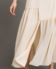 Kleid im Unterkleidstil aus Crêpe de Chine mit Spitze Morgendämmerung Frau 191ST2064-05