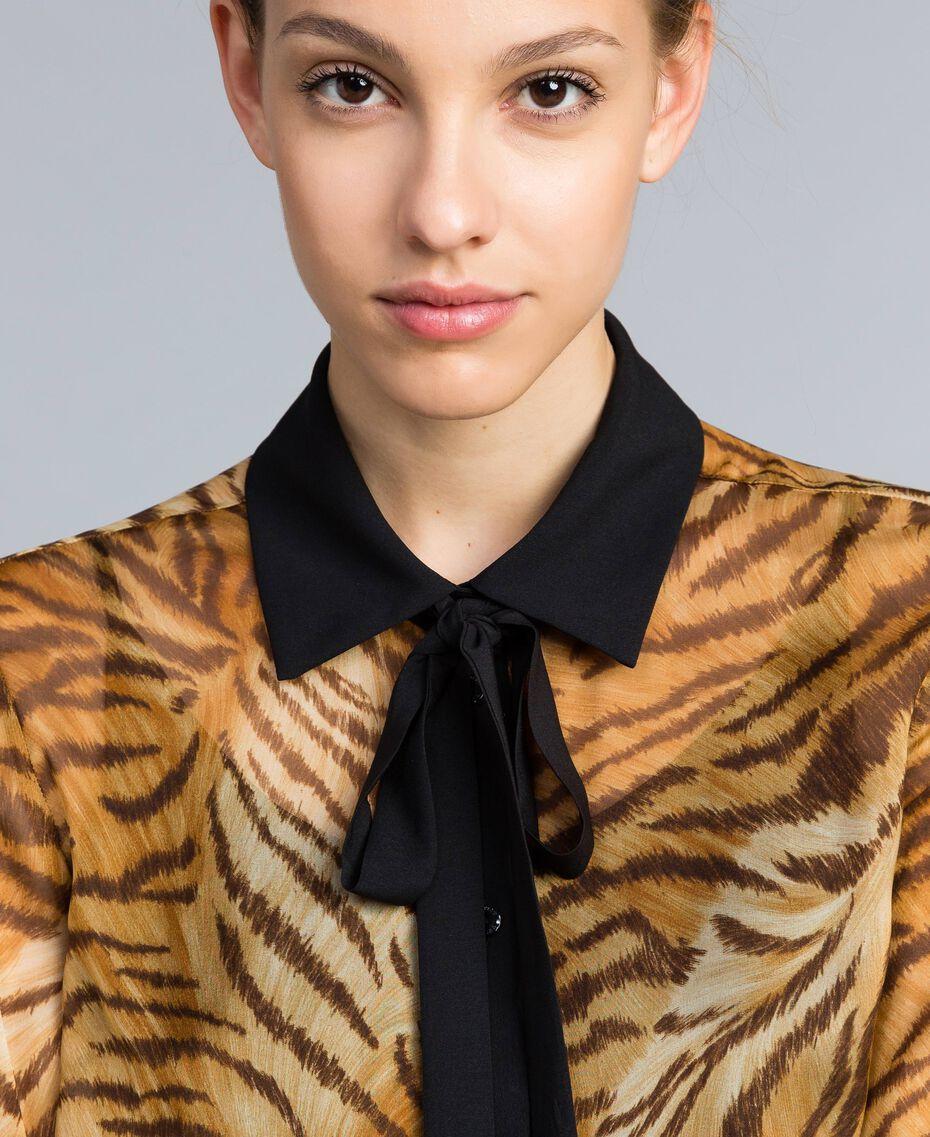 "Hemd aus Seidenchiffon mit Print Print ""Tiger"" Frau TA8252-05"