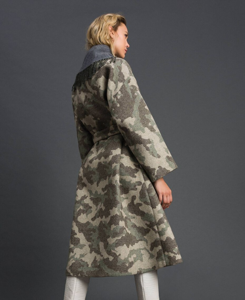 Camouflage wool cloth coat with fringes Camouflage Jacquard Woman 192TT2502-02
