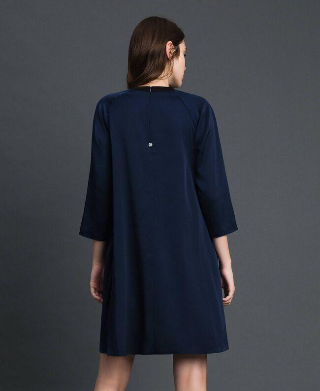 Plisseekleid mit Dreiviertelärmeln Nachtblau Frau 192ST2091-03