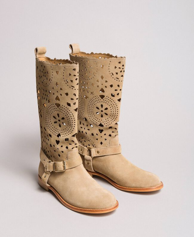 Embroidered suede boots Nougat Beige Woman 191TCP118-01