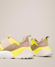 Chaussures de running avec logo Bicolore Rose «Boutons de Fleurs» / Fuchsia Fluo Femme 201TCP152-02