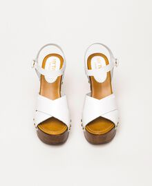 Кожаные сабо на каблуке Белый женщина 201MCT018-05