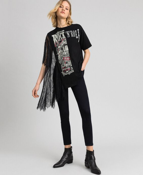Asymmetric printed T-shirt with lace