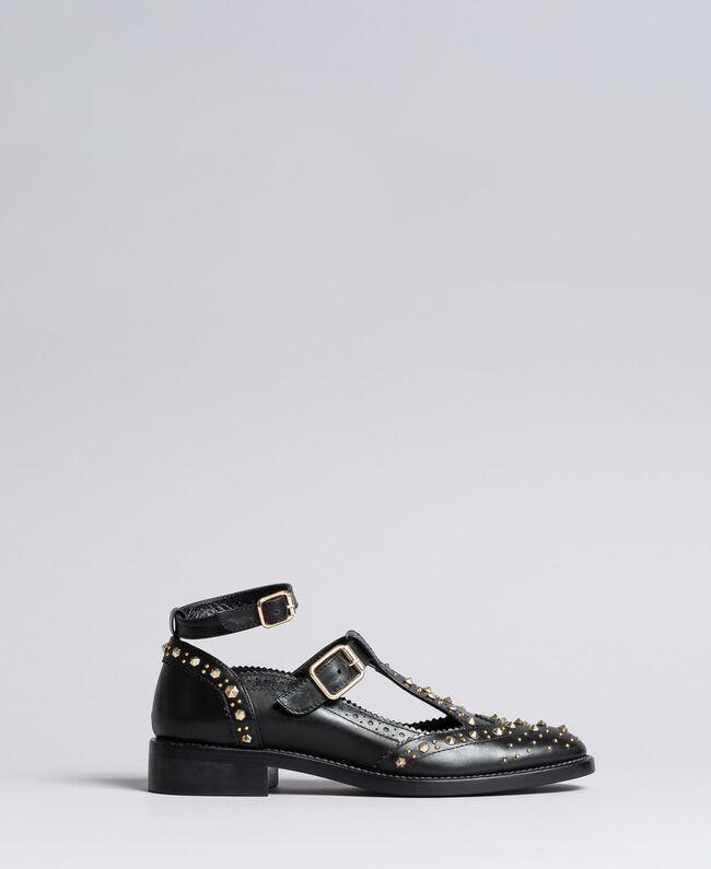 Schuh aus Leder mit Cut-outs und Nieten Schwarz Frau CA8PEU-03