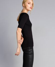 Pullover aus zweifarbiger Viskose Schwarz Frau QA8TBA-02