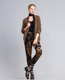 Foulard en soie avec clous Bicolore Noir / Or Femme AA8P17-0T