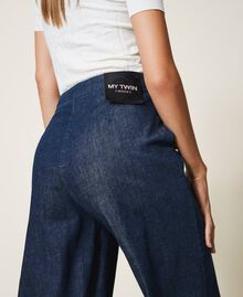 Wide leg jeans with pockets Dark Denim Woman 202MP222C-04