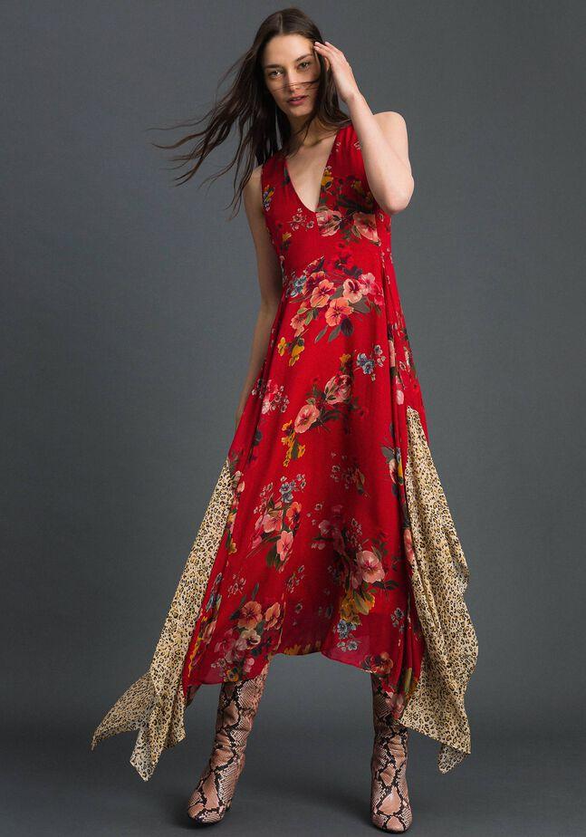 Robe en crêpe georgette avec imprimé floral et animalier