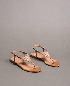 Sandales en cuir avec papillon bijou