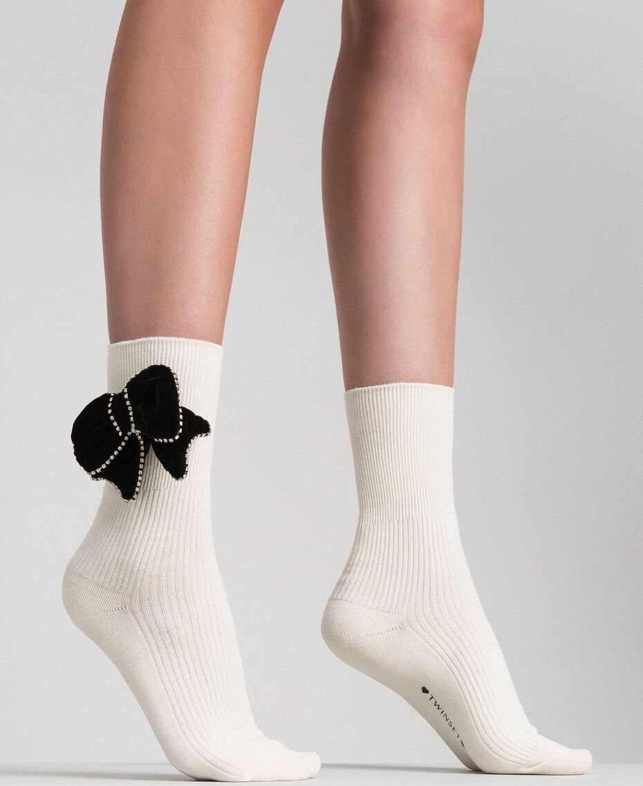 Short socks with removable bow Black Woman 192TA4324-0S