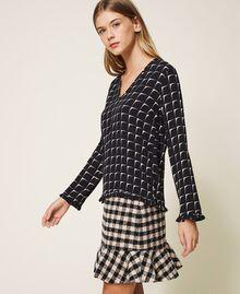 "Printed crêpe de Chine blouse with flounce Black /""Nude"" Beige Optical Print Woman 202ST2505-02"