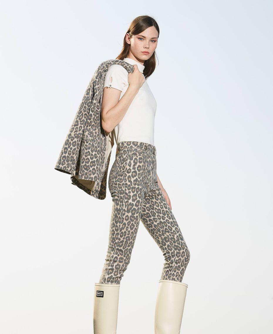 Pantalón con animal print Estampado Animal Print Nuez / Tabaco Mujer 202TT2443-01