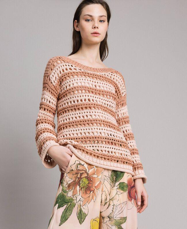 """Pullover mit Durchbruch-Streifenmuster Zweifarbig """"Rose Sand"""" Pink / """"Desert Rose"""" Beige Frau 191MT3130-01"""