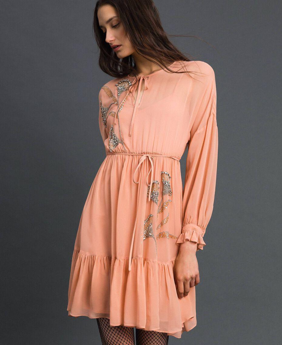 Robe en crêpe georgette avec broderies florales Rose Mousse Femme 192TP2160-02