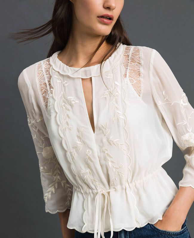 Georgette blouse with embroidery White Snow Woman 192TP2341-01