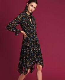 Asymmetrisches Kleid mit Blumenprint Mikroblumenprint Schwarz Frau 192MP2226-02