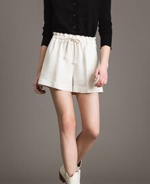 Linen blend shorts White Snow Woman 191TP2205-02