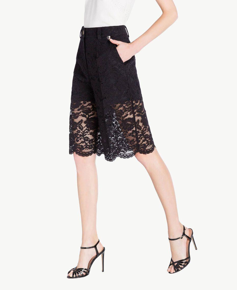 Shorts aus Spitze Schwarz Frau TS828T-02