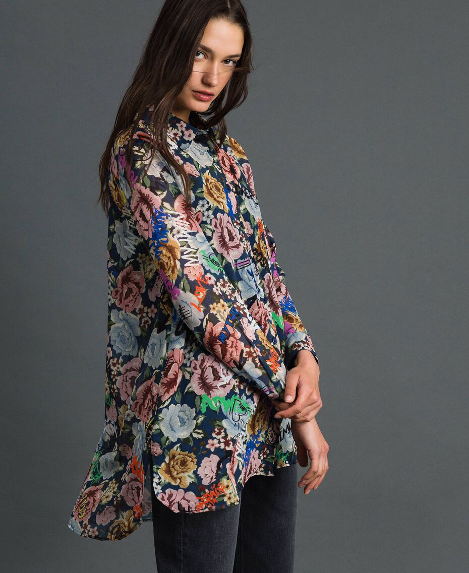 Long shirt with floral and graffiti print Blue Flower Graffiti Print Woman 192MP222L-02
