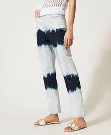 Slouchy-Jeans mit Tie-Dye Tie-Dye-Denim Frau 211MT211D-04
