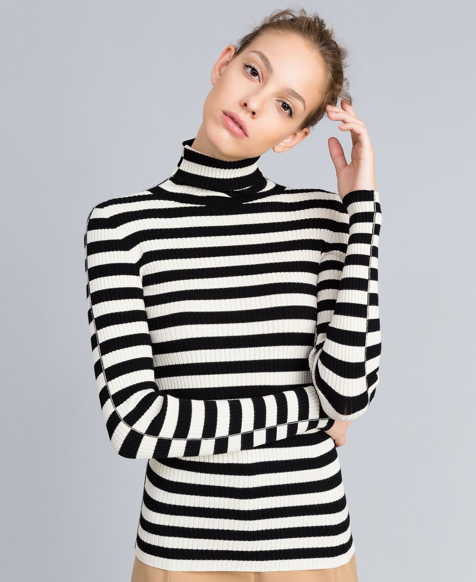 Pull col montant in viscose rayée Rayure Blanc Neige/ Noir Femme PA832E-01
