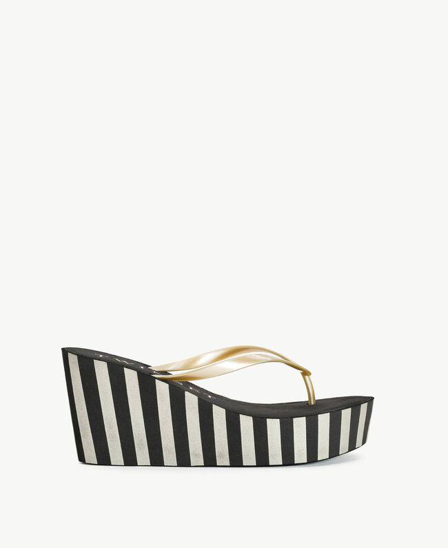 Platform flip flop shoes Two-tone Black / Gold Woman BS83JJ-01