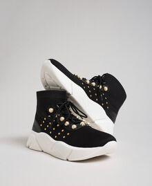 Текстильные кроссовки с жемчугом и заклепками Черный женщина 192TCP062-01