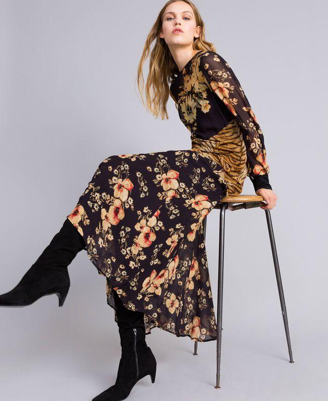 Robe longue avec mélange d'imprimés Imprimé Mélangé Fleurs & Tigre Femme TA825B-01