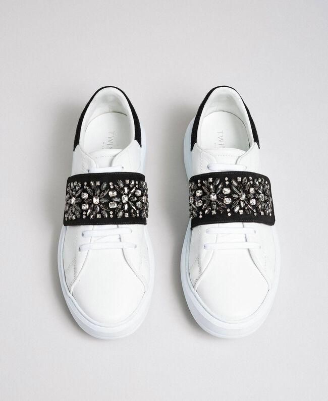 Sneakers aus Leder mit Strass Optisches Weiß / Nude-Rosa Frau 192TCT110-05