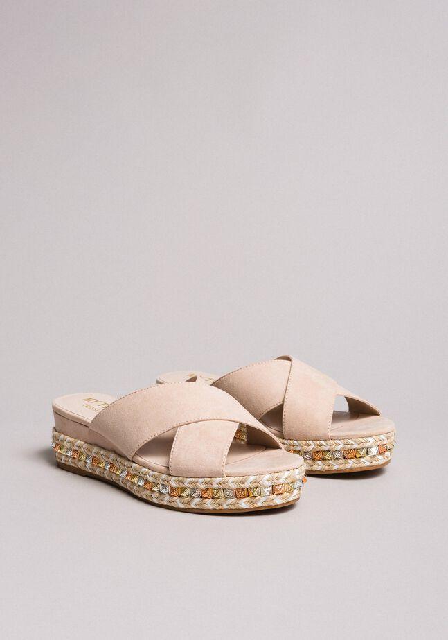 Sandales en daim avec clous