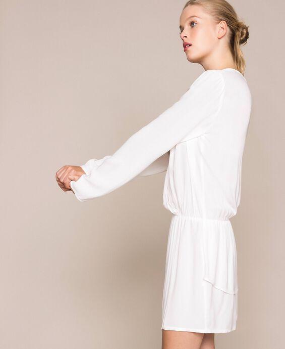 Креповое платье с запахом