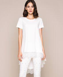 Длинная футболка с кружевом шантильи Лилия женщина 201MP2358-01