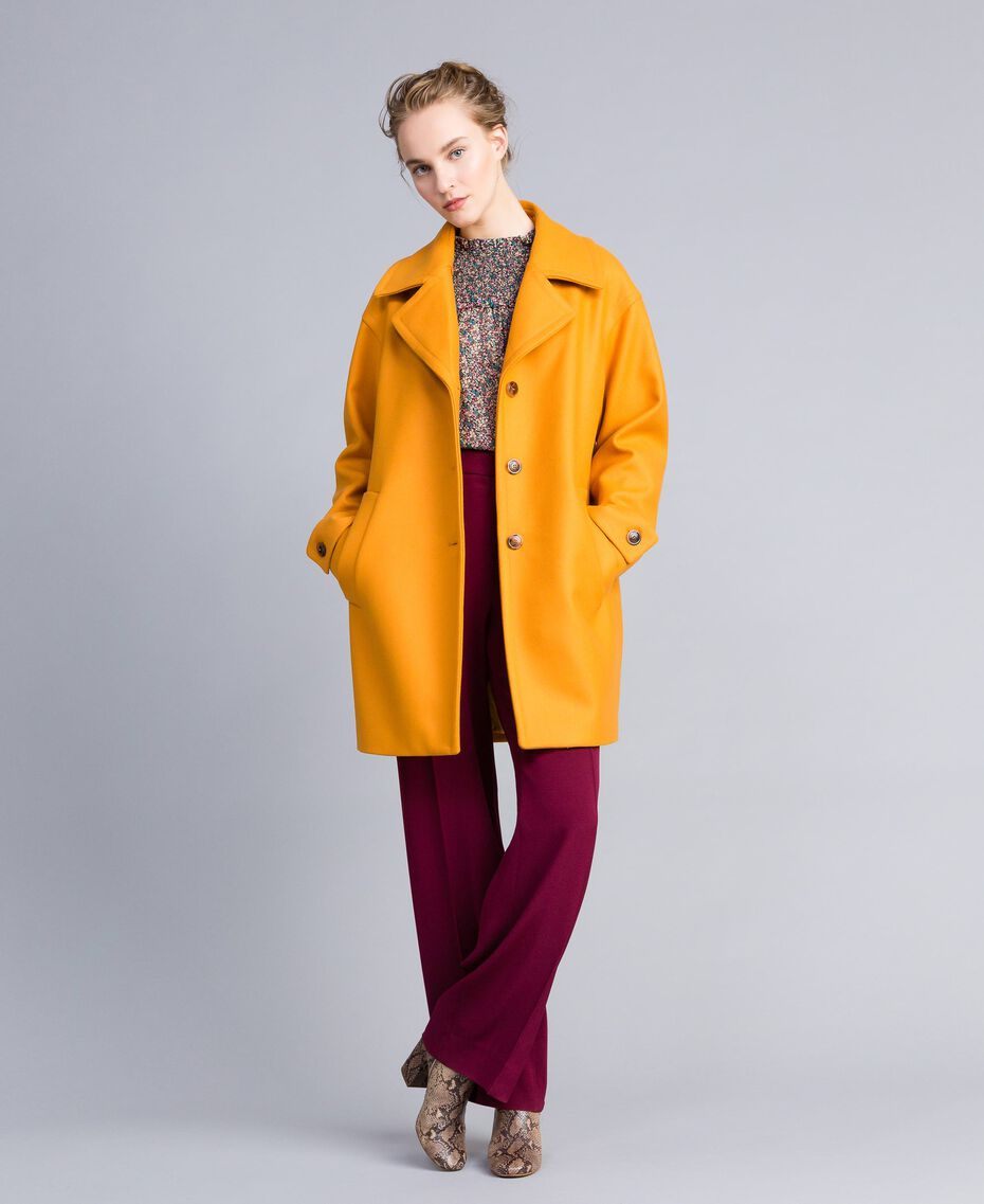 Oversized cloth coat with collar Brandy Woman PA826N-05