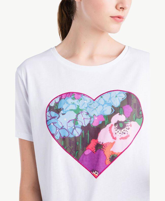 T-Shirt mit Herzprint Weiß Frau NS82AP-04