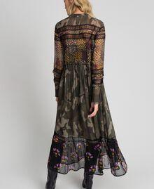 Robe longue avec imprimé camouflage et floral Imprimé Patch Fleur Camouflage Femme 192TT2120-03